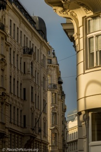 Vienna - Sat LR1-0114